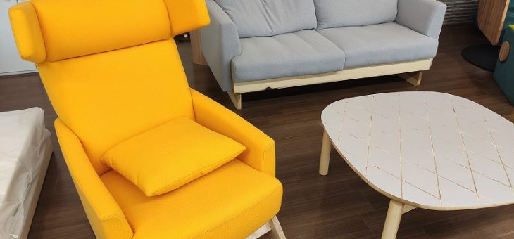 地域材活用商品開発「ユリの木の家具」